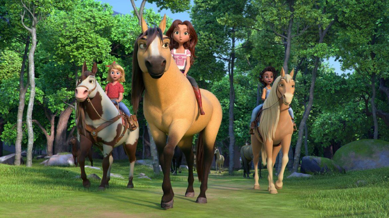 ¡La directora Elaine Bogan viaja al Santuario de Caballos Return to Freedom para conocer al caballo que inspiró a Spirit!